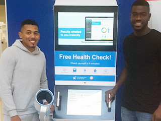 Shoppers, Local Leaders and Footballers Enjoy our Health Station!